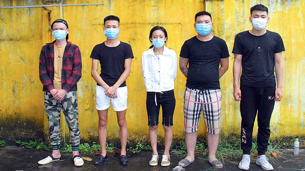 Chinese group, Covid-19 pandemic, Vietnamese accomplices, illegal entry, Vietnamese police, 14-day quarantining, Lao Cai Province
