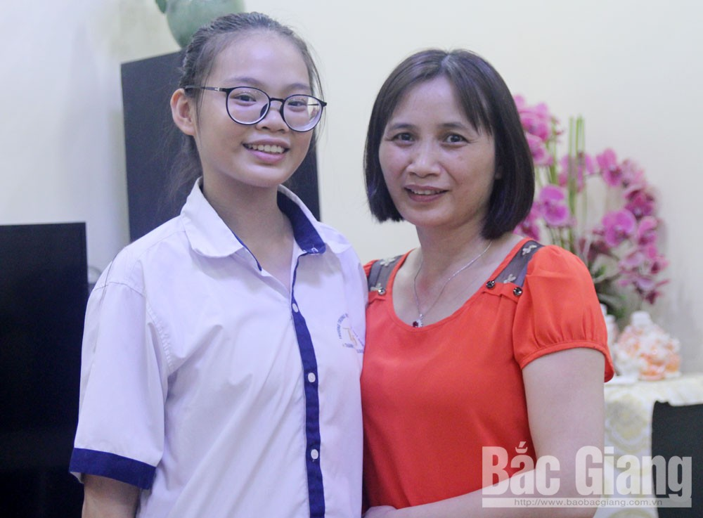 3 students, Bac Giang province, high scores, high school entrance exam, share study tips, top scores, high results, intelligent student