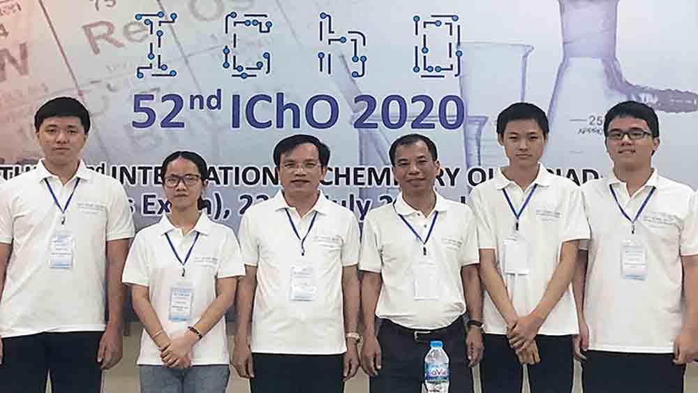Vietnam, four-gold record, International Chemistry Olympiad, Vietnamese contestants,  highest-ranking team, gold medalists, Vietnamese students