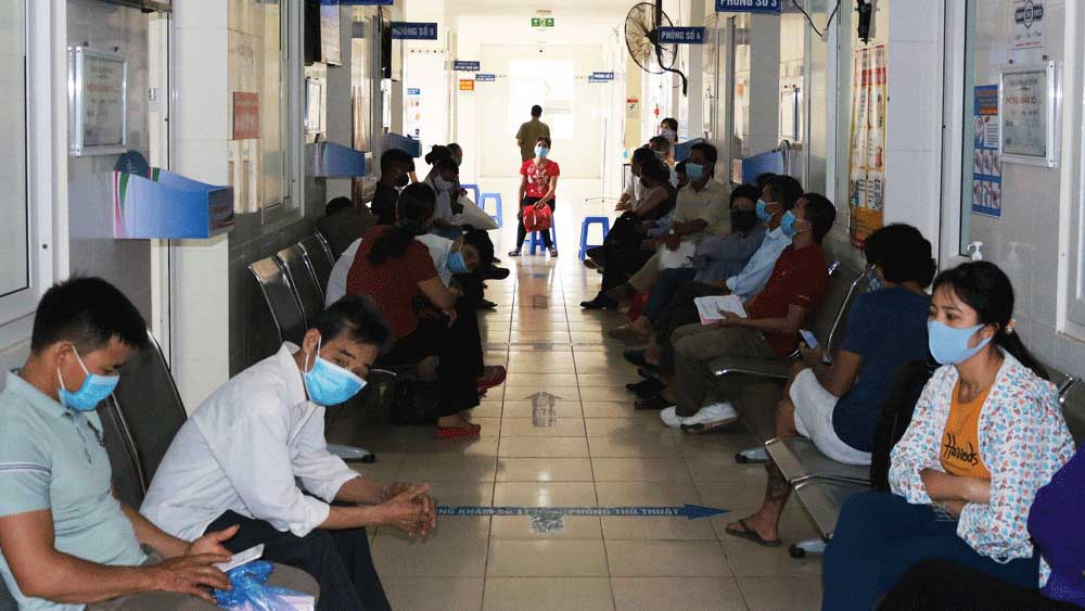 Medical facilities, Bac Giang province, high attention, Covid-19 prevention, hospitals and healthcare centers,  cross infection, Covid-19 outbreak