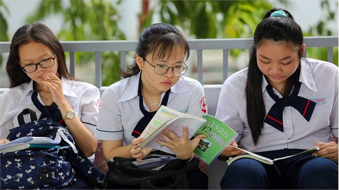 Vietnam to conduct high school exam in two phases amid fresh Covid-19 outbreak