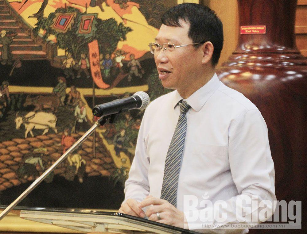 Phó Chủ tịch UBND tỉnh Lê Ánh Dương phát biểu tại chương trình.