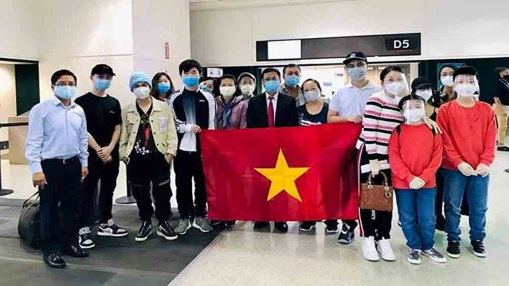 More Vietnamese citizens, brought home, US and Japan, special assistance, epidemiological measures,  medical monitoring, concentrated quarantine