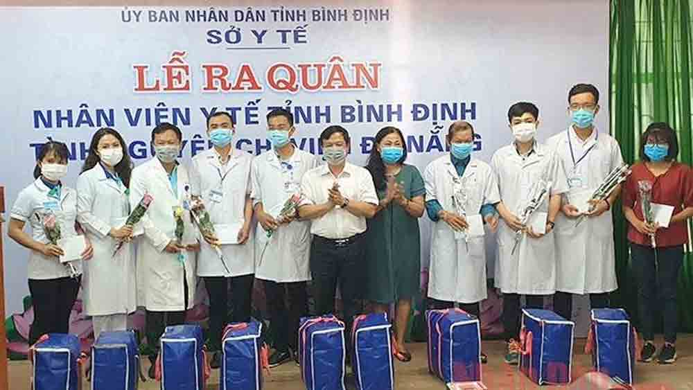 More support, Da Nang city, Covid-19 fight, Covid-19 pandemic,  medical workers, medical face masks, community transimission
