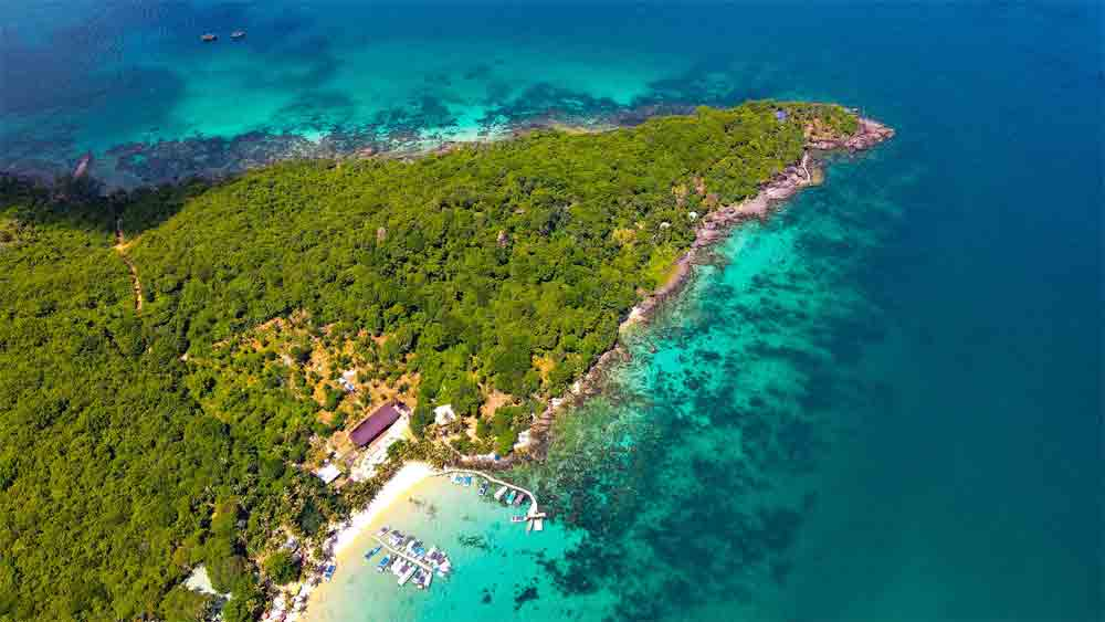 Stunning view, Phu Quoc island, largest tourist island, pearl of the country, domestic and international visitors, popular destination