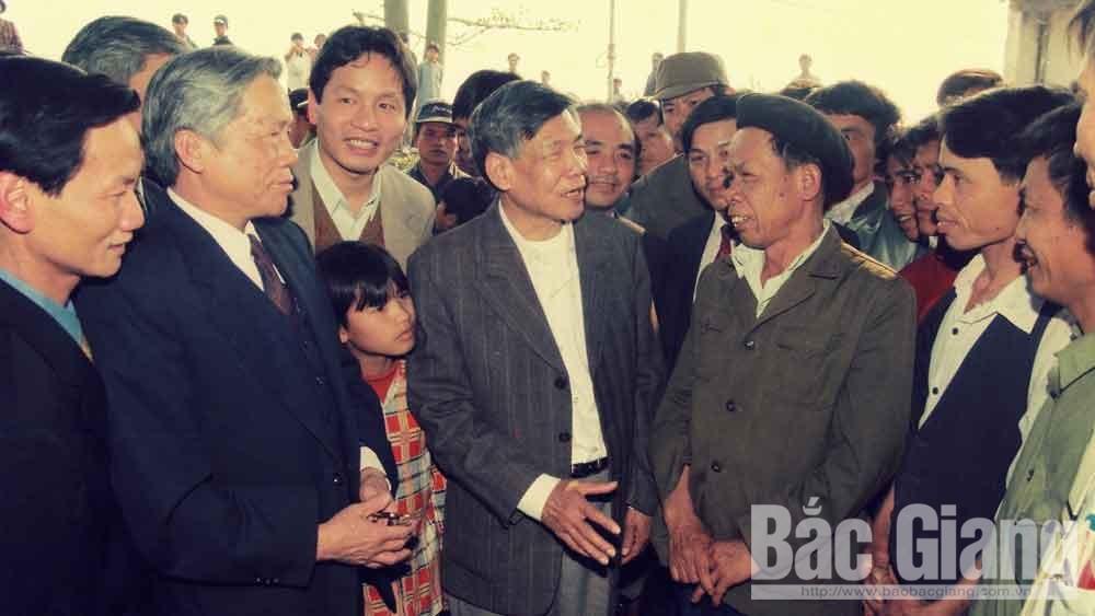 Nguyên Tổng Bí thư Lê Khả Phiêu: Nhà lãnh đạo gần gũi, bình dị