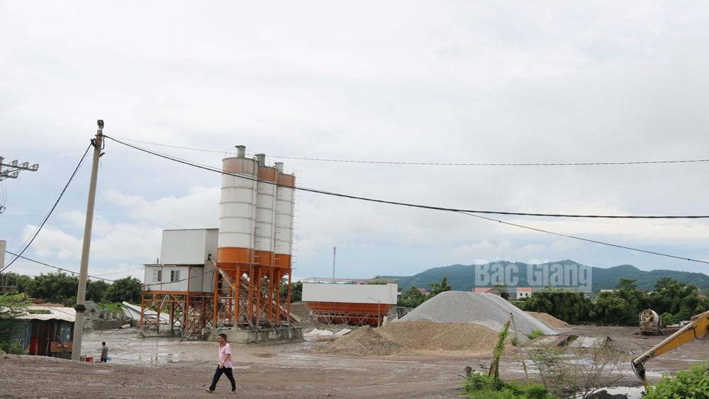TP Bắc Giang: Tháo dỡ một phần trạm trộn bê tông không có giấy phép xây dựng