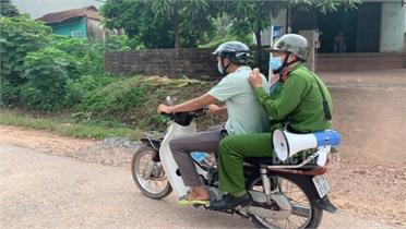Bắc Giang: Tình người trong vùng dịch