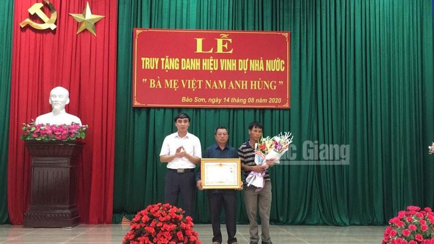 """Lục Nam: Tổ chức Lễ truy tặng danh hiệu """"Bà mẹ Việt Nam anh hùng"""" cho mẹ Chu Thị Cẳm"""