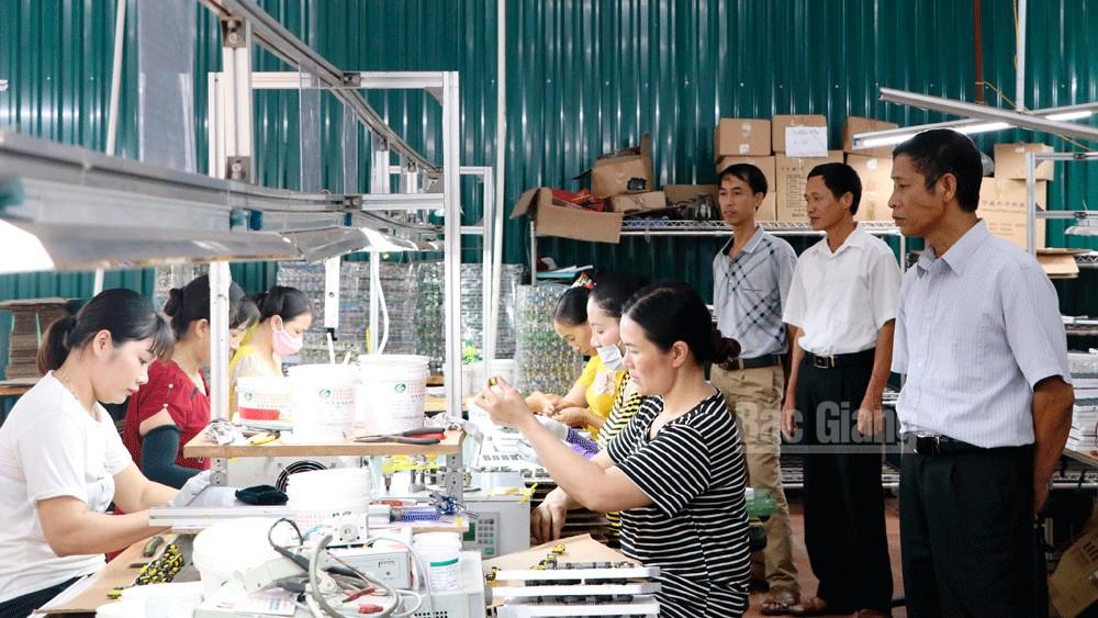 Hiệp Hòa dồn lực tháo gỡ các tiêu chí khó trong xây dựng nông thôn mới