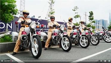 58 nữ CSGT dẫn đoàn đầu tiên ở TP Hồ Chí Minh