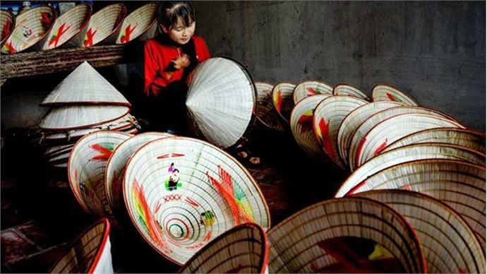 Ren conical hat-making village in Phu Tho Province