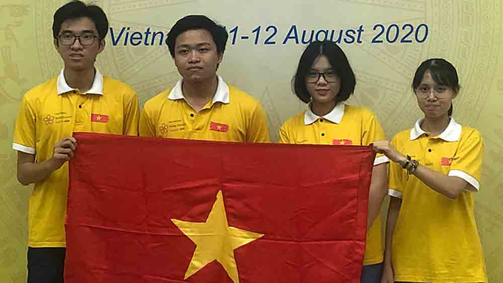 Vietnamese student bags gold at International Biology Olympiad