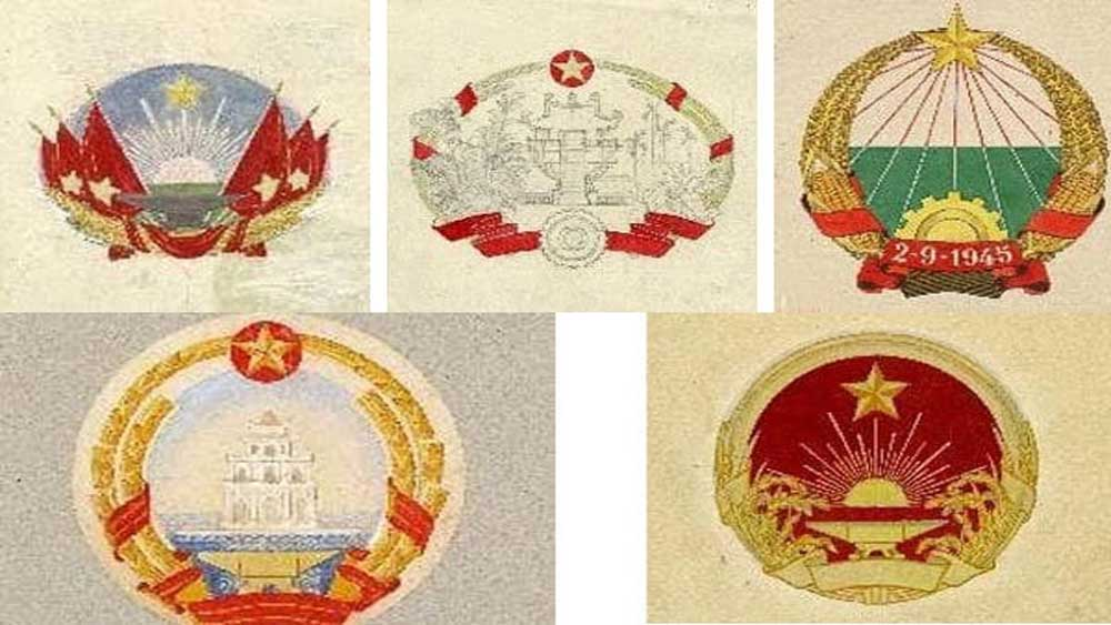 Exhibition introduces draft designs of emblem of Vietnam