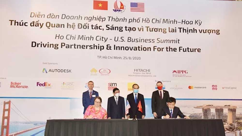 US helps HCM City develop smart city operations centre