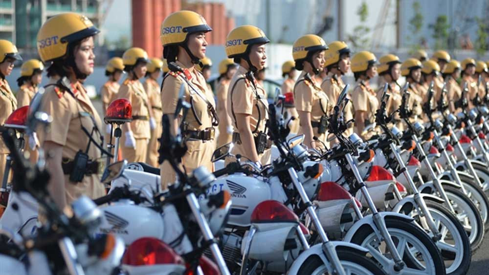 HCM City unveils all-female police escort team