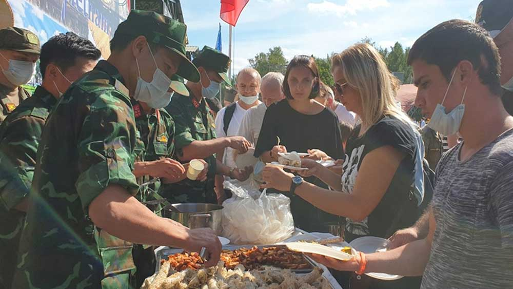 Vietnamese dishes, appealing flavour, Army Games 2020, Vietnamese sausage, rice crackers, roasted pig, Field Kitchen contest