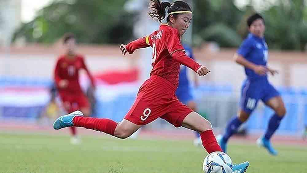 Portuguese club pursue two female Vietnamese footballers