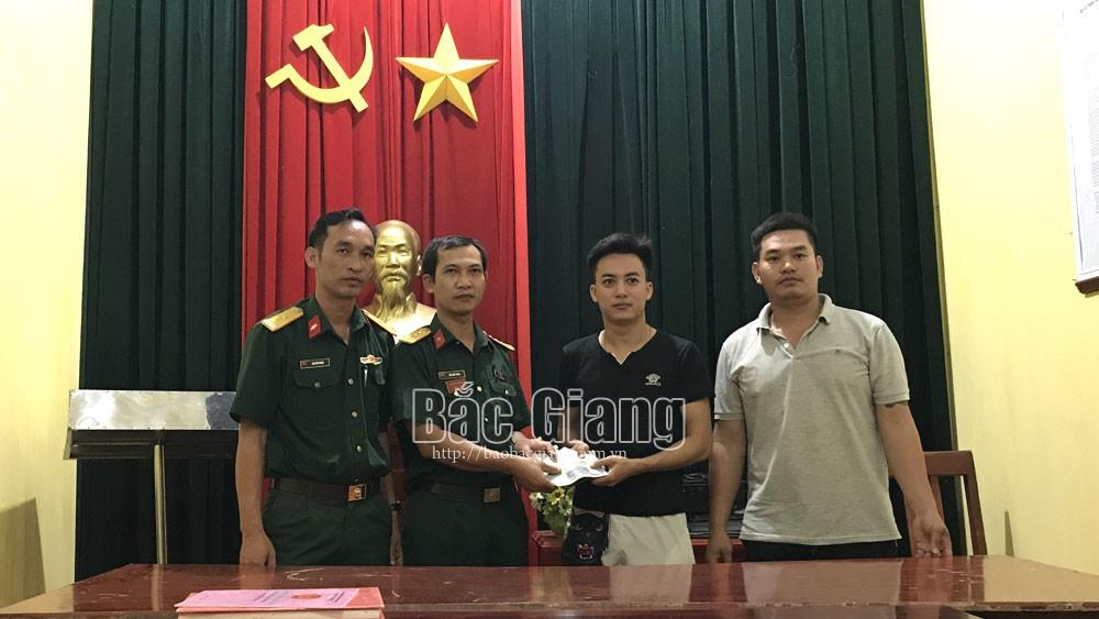 Bắc Giang: Một sĩ quan ở Quân đoàn 2 nhặt được của rơi, trả lại người mất