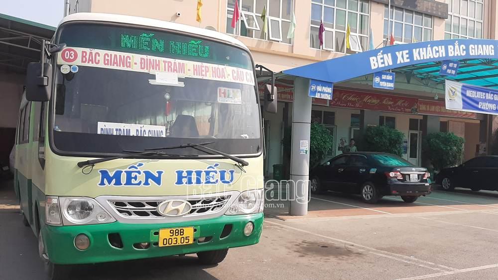 Bắc Giang: Đã có 244 xe kinh doanh vận tải chuyển đổi biển kiểm soát từ trắng sang vàng