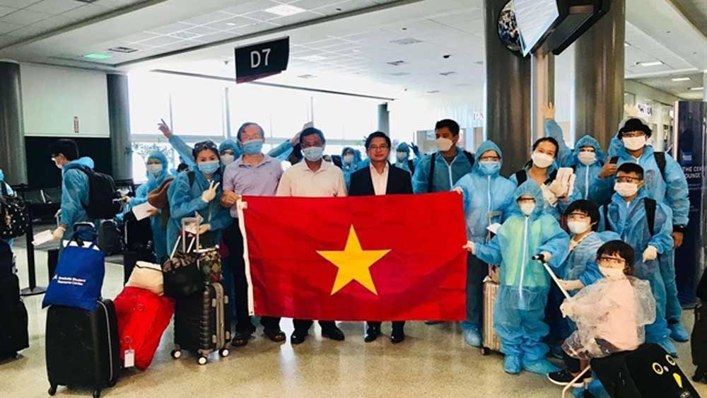 350 Vietnamese citizens, repatriated from US, returned home safely, disease prevention measures, Covid-19 pandemic