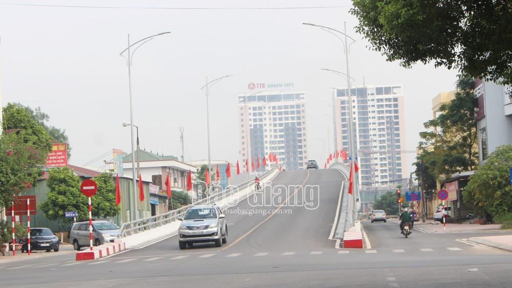 TP Bắc Giang rực rỡ cờ hoa mừng Quốc khánh