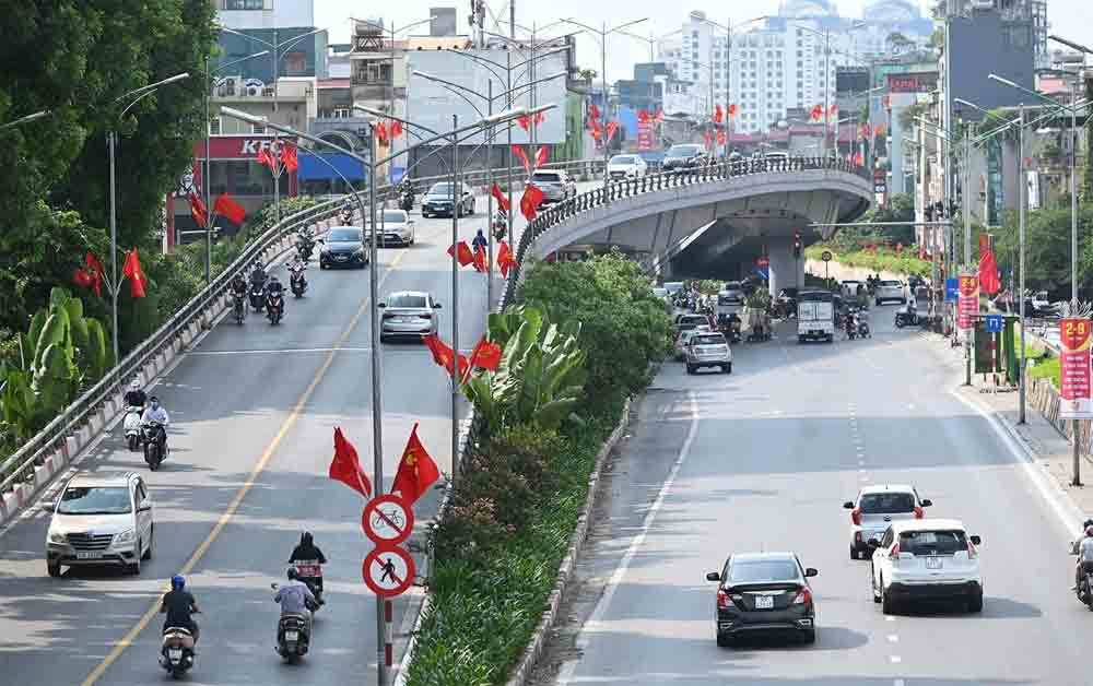 Hanoi, brilliantly decorated, national flags, National Day, 75th anniversary, colourful flowers