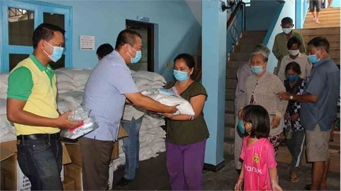 Further Covid-19 relief aid offered to people of Vietnamese origin in Cambodia