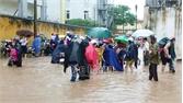 TP Bắc Giang: Nhiều tuyến đường bị ngập úng do mưa lớn, cộng đồng chung tay vượt khó