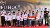 Trao tặng 110 suất học bổng cho học sinh huyện Lục Ngạn
