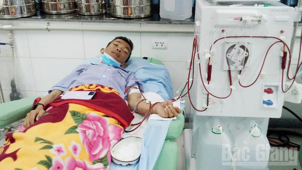 Poor family with two hospitalized members needs help
