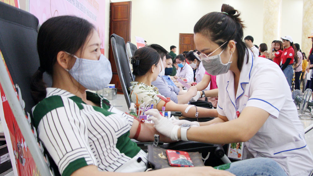 Widespreading good deed from blood donating families and relatives