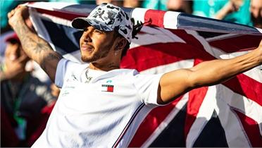 Mức lương khủng của Lewis Hamilton trong làng đua xe F1