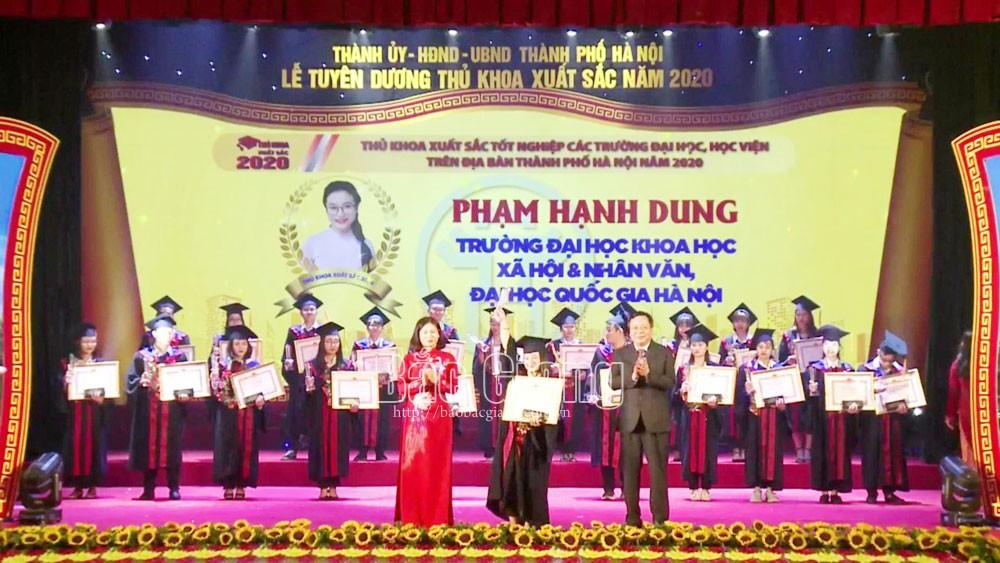 Phạm Hạnh Dung: Thủ khoa đam mê nghiên cứu khoa học
