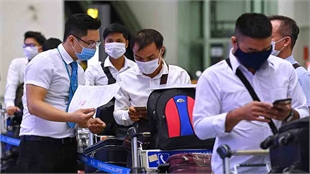 Vietnam's first int'l commercial flight in six months takes off amid pandemic