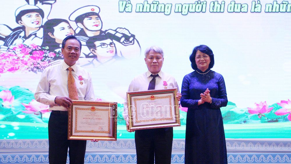 Bac Giang honors 186 outstanding collectives, individuals