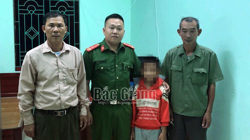 Bắc Giang: Cháu bé bị lạc đã được đưa về gia đình