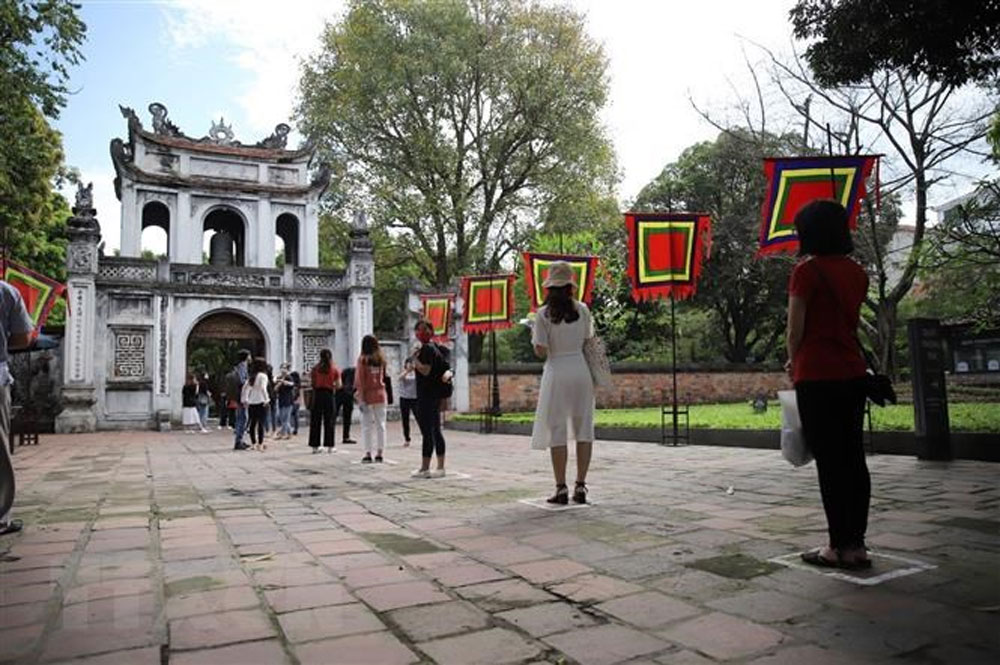 Hanoi's tourism sector, welcome visitors again, resurgence of Covid-19, improved business performance, outstanding autumn destinations