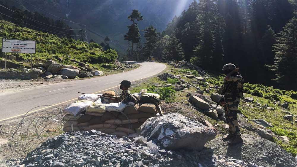 Ấn Độ và Trung Quốc nhất trí không điều thêm quân đến biên giới