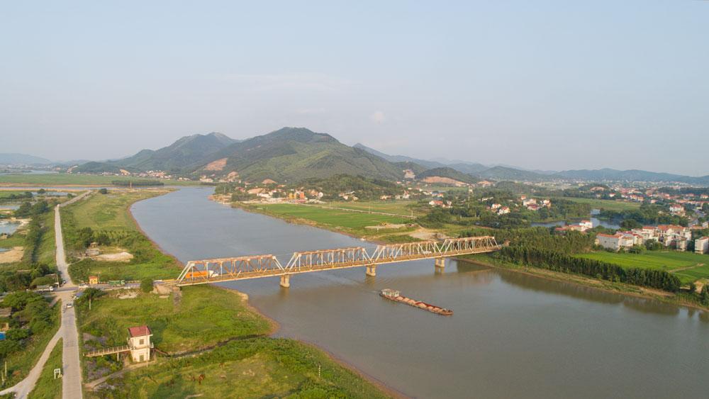Sông Lục - núi Huyền