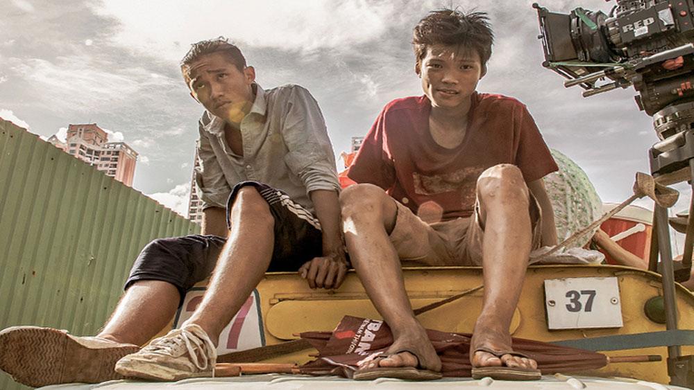 Phim Ròm, 10 tỷ đồng ngày đầu, doanh thu, khởi chiếu