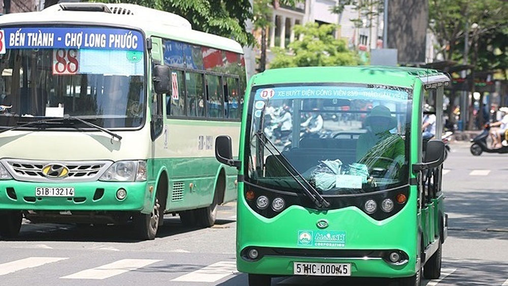HCMC transport department proposes 5 electric bus routes