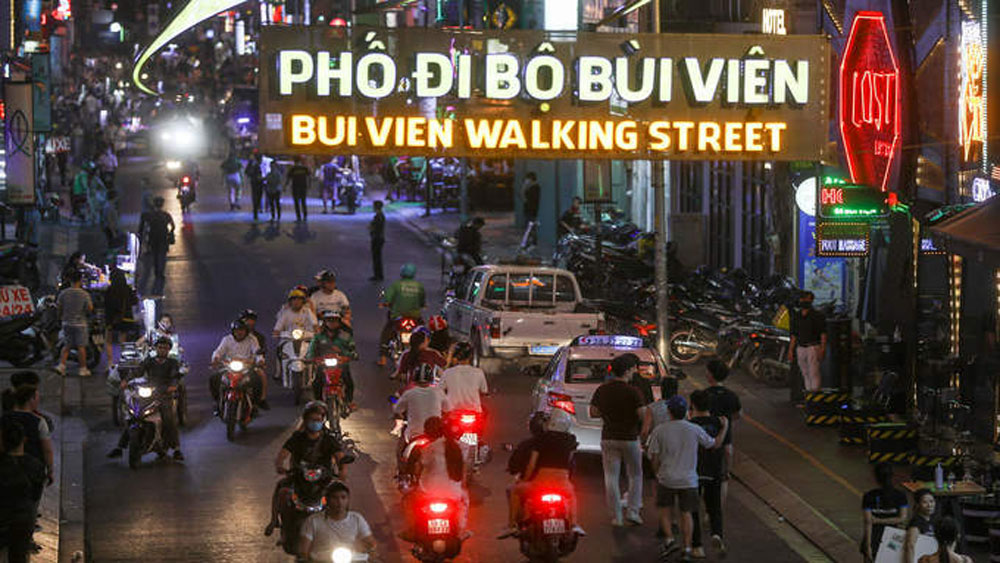 HCMC plans to open more downtown walking streets