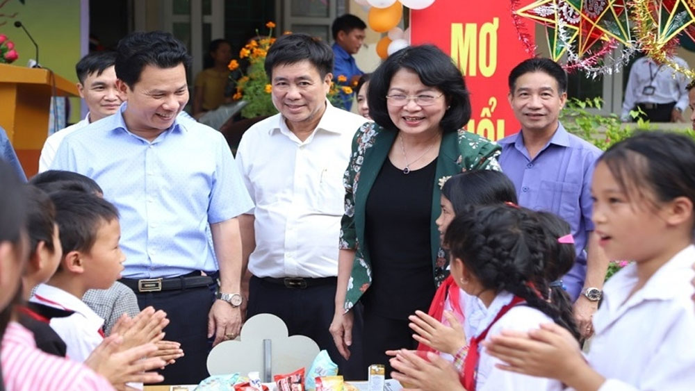 Various activities held for children during Mid-Autumn Festival