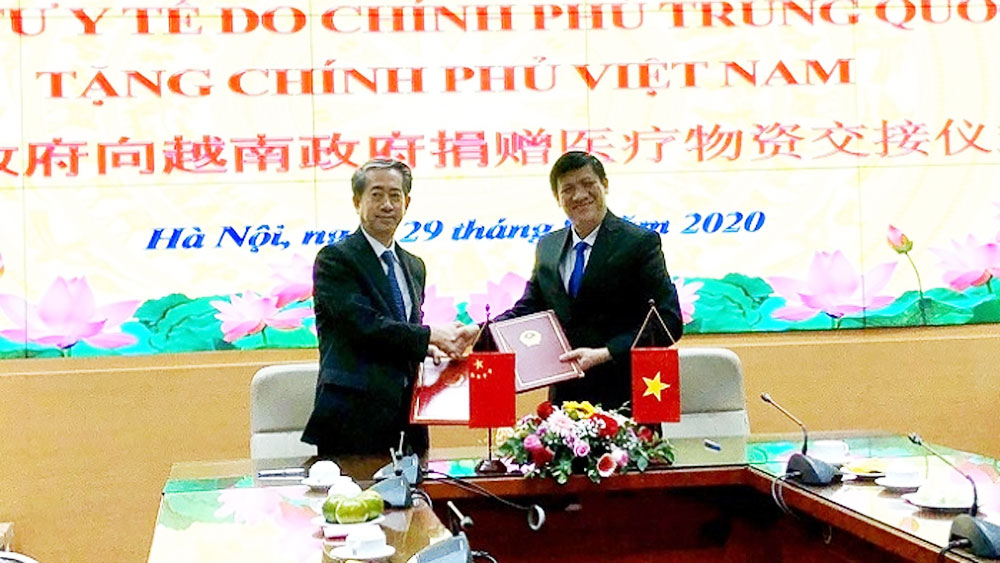 China donates medical supplies to help Vietnam in Covid-19 fight