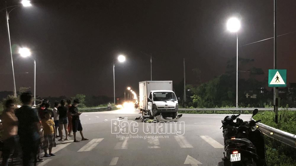 TP Bắc Giang: Ô tô va chạm xe máy trên đường Võ Văn Kiệt, một người tử vong