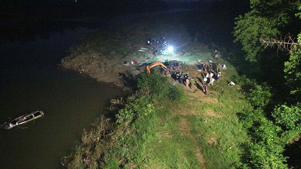 Five killed as car hits motorbike, plunges into river