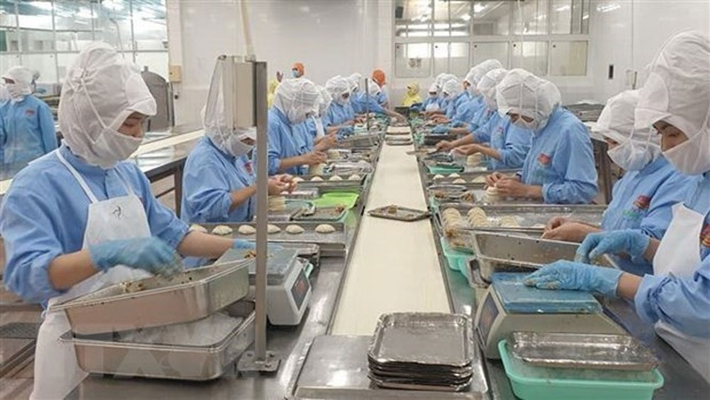 Vietnam, industry and trade sector, all-out efforts, Covid-19 pandemic, export turnover, global trade, year-on-year rise