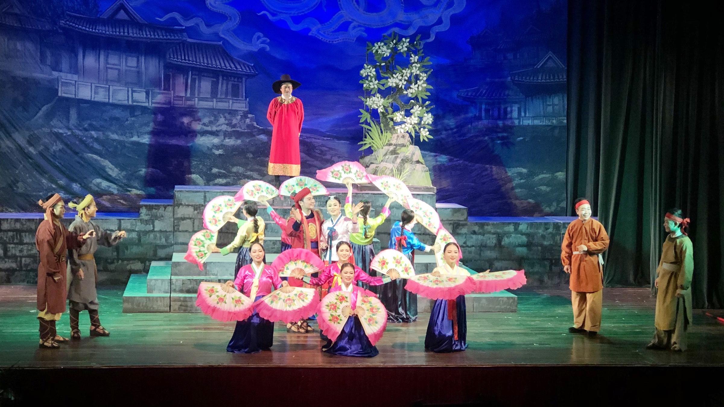 Nhà hát Chèo Bắc Giang giành 4 huy chương tại Liên hoan Sân khấu Thủ đô