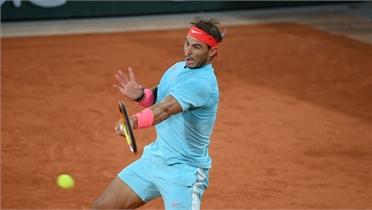 Nadal hạ Sinner ở tứ kết Roland Garros